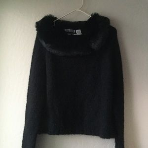 Black sweater with faux fur cowl